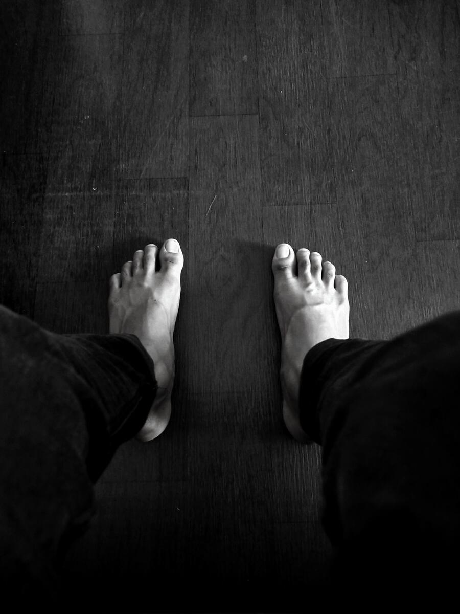 Sweeney Foot and Ankle Types of Athlete's Foot Black and White Photo of Feet